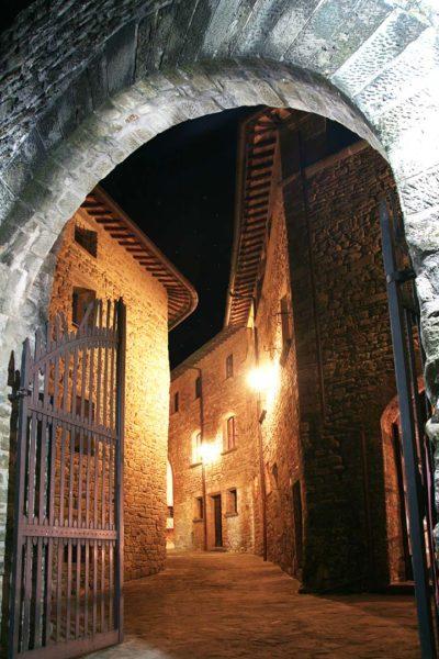 L'antico cancello di ingresso del Castello