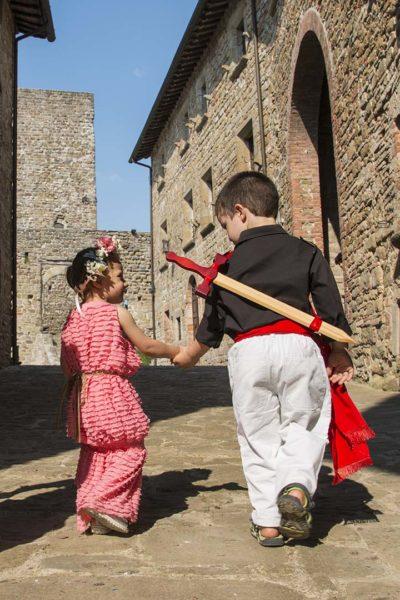 piccoli Dama e Cavaliere al Castello di Petroia