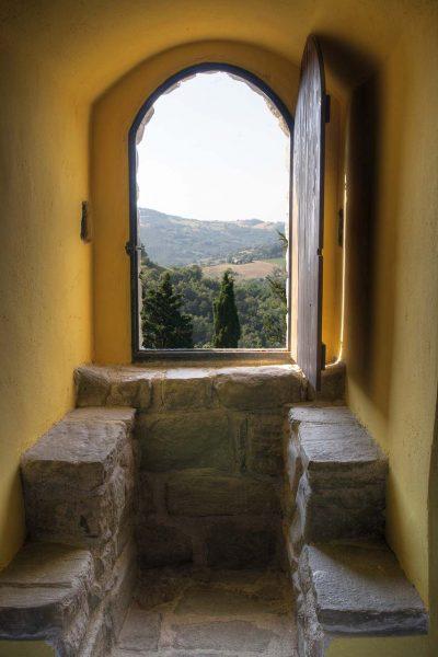 Vista dalla Torre medievale - Castello di Petroia